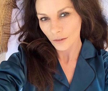 Catherine Zeta Jones irriconoscibile: colpa della chirurgia estetica?