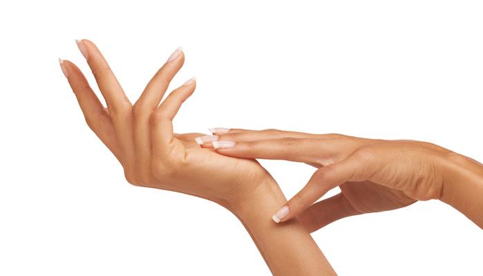 Chirurgia estetica mani: il lipofilling