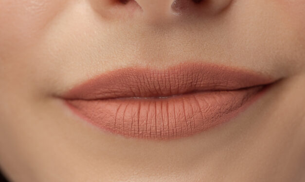 Labbra perfette con la medicina estetica ma attenzione ai filler permanenti!